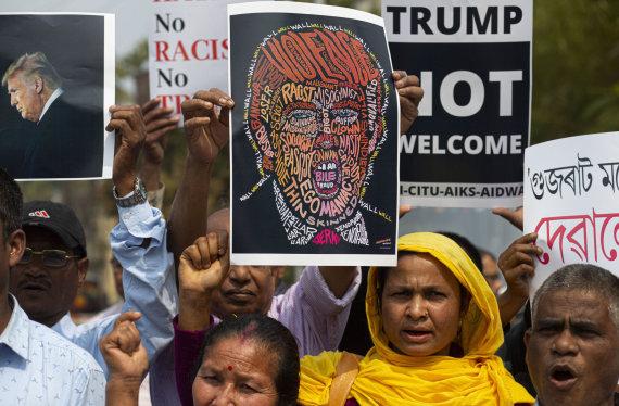 """""""Scanpix""""/AP nuotr./Protestas prieš Donaldo Trumpo vizitą Indijoje"""