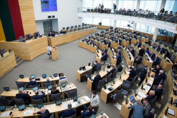 Juliaus Kalinsko / 15min nuotr./Seime pristatyta Vyriausybės 2018 metų veiklos ataskaitą