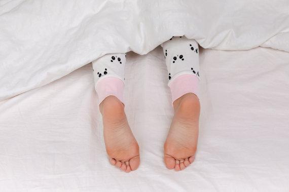 123RF.com nuotr./Vaikas lovoje