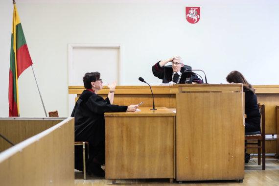 Eriko Ovčarenko / 15min nuotr./Teodoro Ismailovo teisme