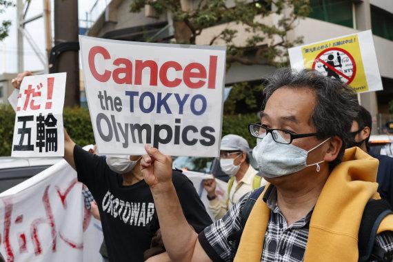 """""""Scanpix"""" nuotr./Japonai protestuoja prieš Tokijo olimpinių žaidynių organizavimą"""