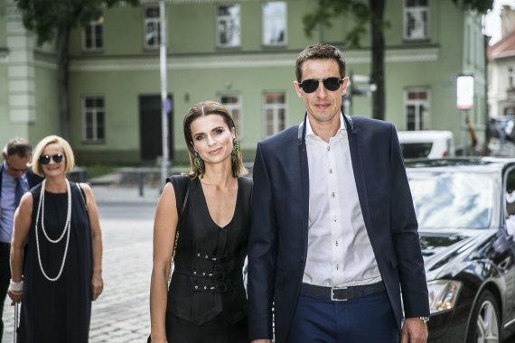 Viganto Ovadnevo/Žmonės.lt nuotr./Mindaugas Lukauskis su žmona