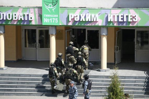 """""""Scanpix""""/ITAR-TASS nuotr./Šaudynės Rusijos Kazanės mokykloje"""