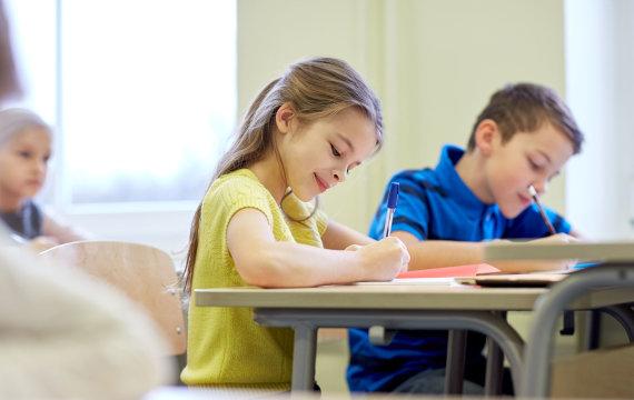 123RF.com nuotr./Vaikai mokykloje