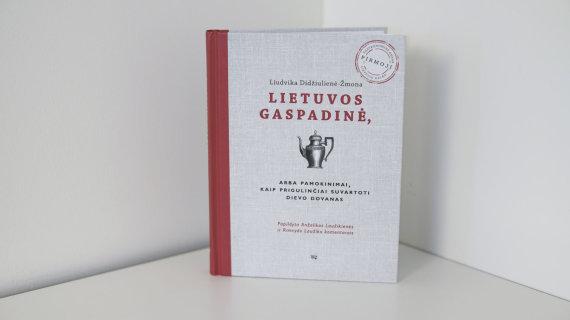 """15min nuotr./Knyga """"Lietuvos gaspadinė"""""""