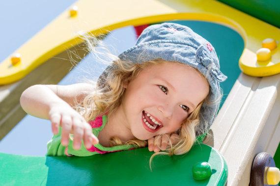 123RF.com nuotr./Mažametė mergaitė