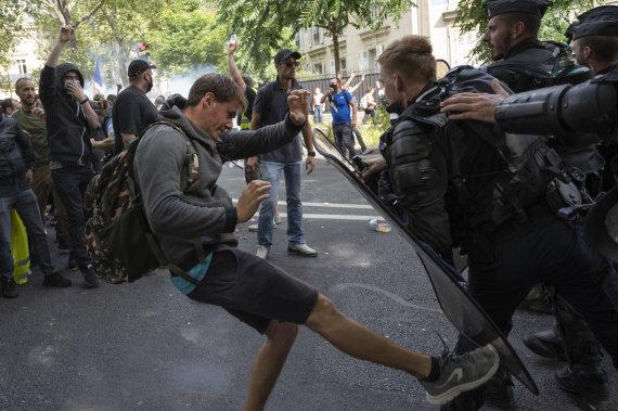 ZUMAPRESS / Scanpix nuotr./Sveikatos paso priešininkų protestas Prancūzijoje