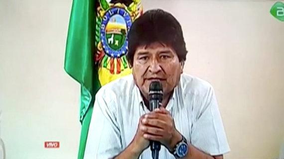 """""""Reuters""""/""""Scanpix"""" nuotr./Evo Moralesas praneša apie savo atsistatydinimą"""