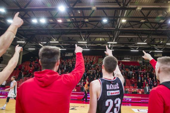"""Roko Lukoševičiaus / 15min nuotr./LKL trečiojo rato rungtynėse susitinka: Vilniaus """"Rytas"""" – Kėdainių """"Nevėžis"""""""