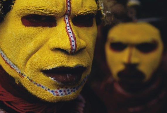 Vida Press nuotr./Papua Naujosios Gvinėjos genties vyrai