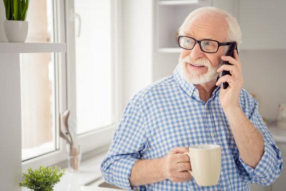 123RF.com /Kā senioriem iemācīt lietot tehnoloģijas?