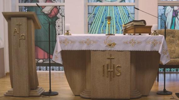 Ruklos Šventosios Dvasios parapijos altorius