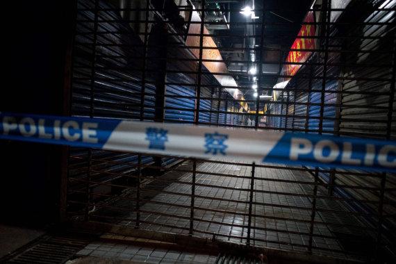 """AFP/""""Scanpix"""" nuotr./Uždarytas turgus, iš kurio, kaip manoma, prasidėjo infekcijos plitimas"""