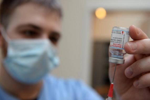 """Reuters""/""Scanpix"" nuotr./Vakcina nuo COVID-19"