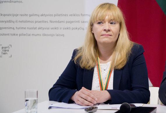 Valdo Kopūsto / 15min nuotr./Inauguracijos komisijos pirmininkė Algė Budrytė