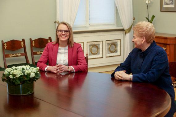 Vidmanto Balkūno / 15min nuotr./Dalia Grybauskaitė susitiko su kandidate į aplinkos ministrus Irma Gudžiūnaite