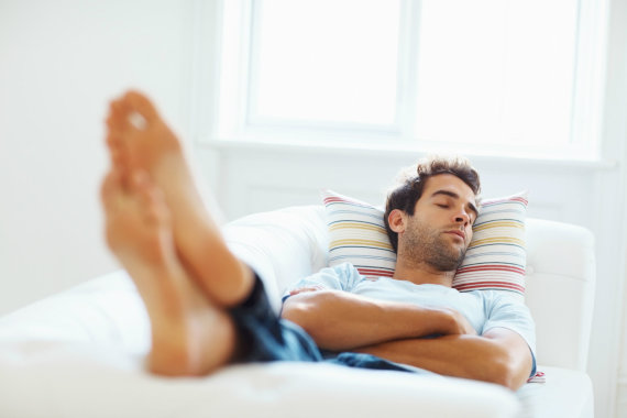 Miegantis vyras