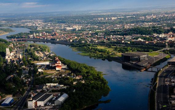 Karolinos Stažytės nuotr./Skrydis virš Kauno didžiausiu keleiviniu specialios formos oro balionu