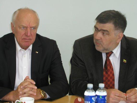 Vilmos Danauskienės nuotr./Verslininkas Jonas Jagminas (kairėje) ir Lazdijų rajono savivaldybės meras A.Margelis.
