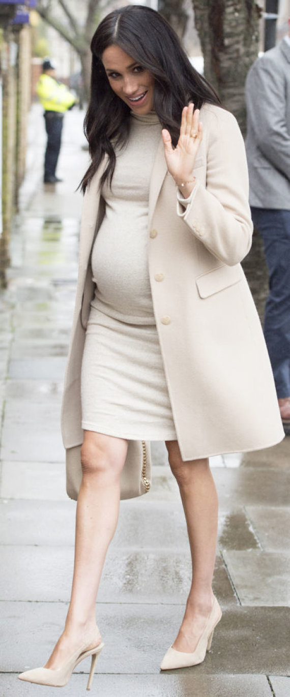 """""""Scanpix"""" nuotr./Sasekso hercogienė Meghan su H&M suknele"""