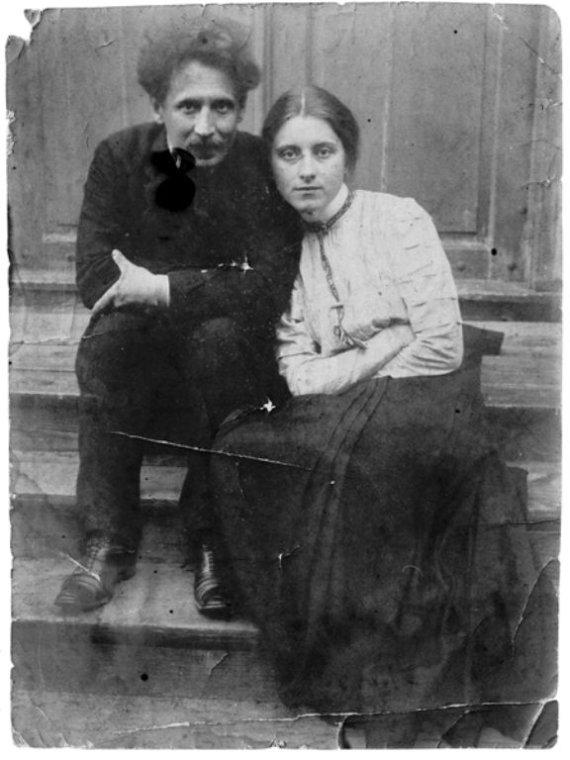 """""""Tauras Films"""" archyvo nuotr./M.K.Čiurlionis su žmona Sofija"""