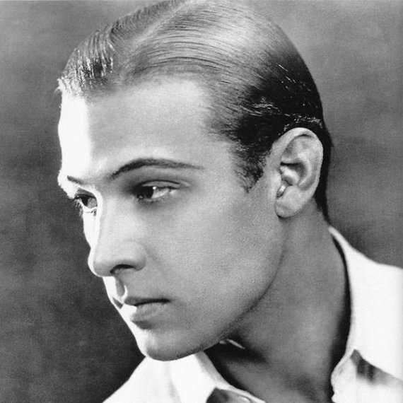 Wikimedia Commons nuotr./Rudolphas Valentino, XX a. trečiojo dešimtmečio sekso simbolis