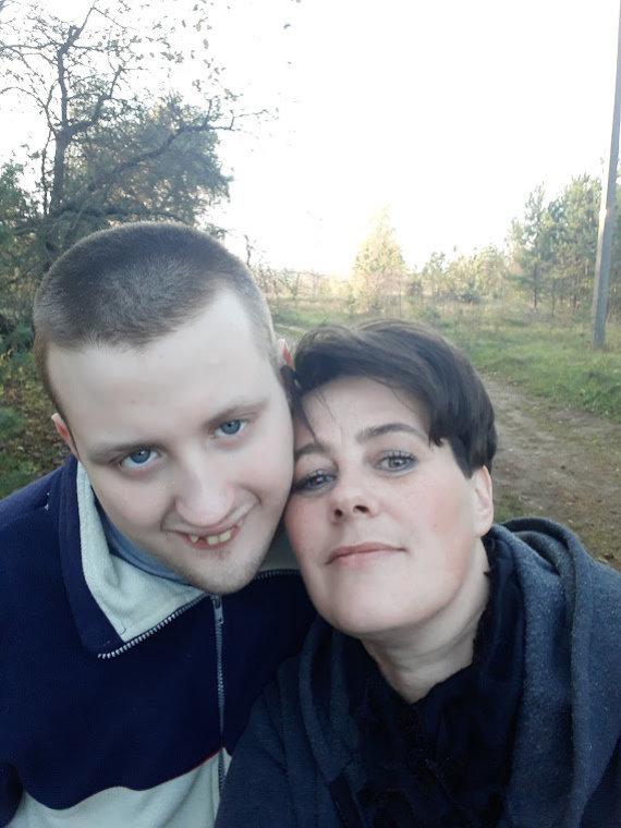 Asmeninio albumo nuotr./Lina Petrauskienė su sūnumi Ignu