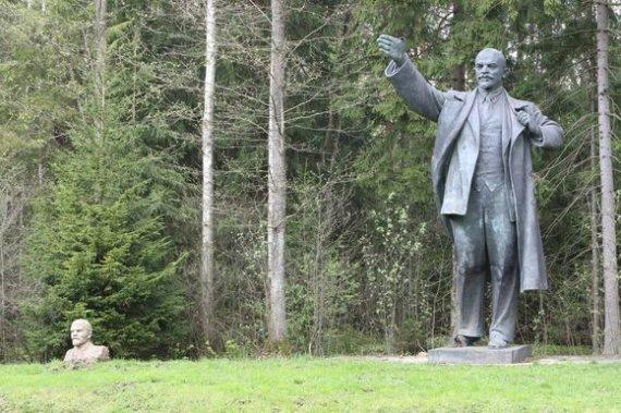 Kęstučio Vanago/BFL nuotr./Skulptūra Leninui Grūto parke