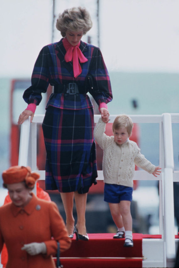 Vida Press nuotr./Princesė Diana su sūnumi Williamu (1985 m.)