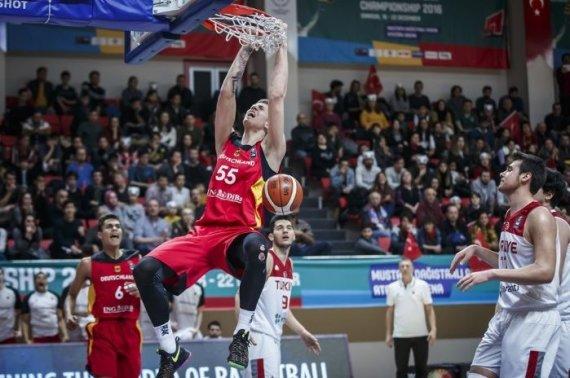 FIBA.com/Isaiah Hartensteinas