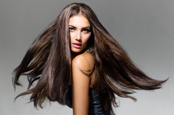 Shutterstock nuotr./Sveiki ir spindintys plaukai
