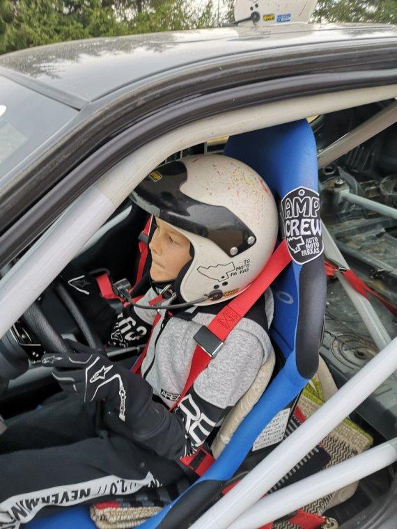 Asmeninio archyvo nuotr./10-metis Linas Volungevičius prie sportinio automobilio vairo