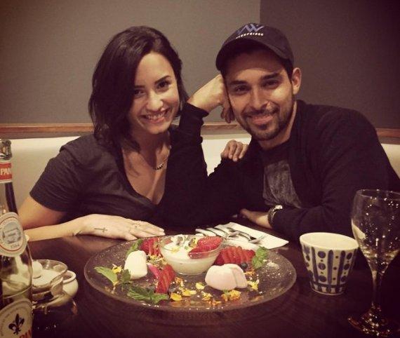 """Instagram"" nuotr./Demi Lovato ir Wilmeris Valderrama"