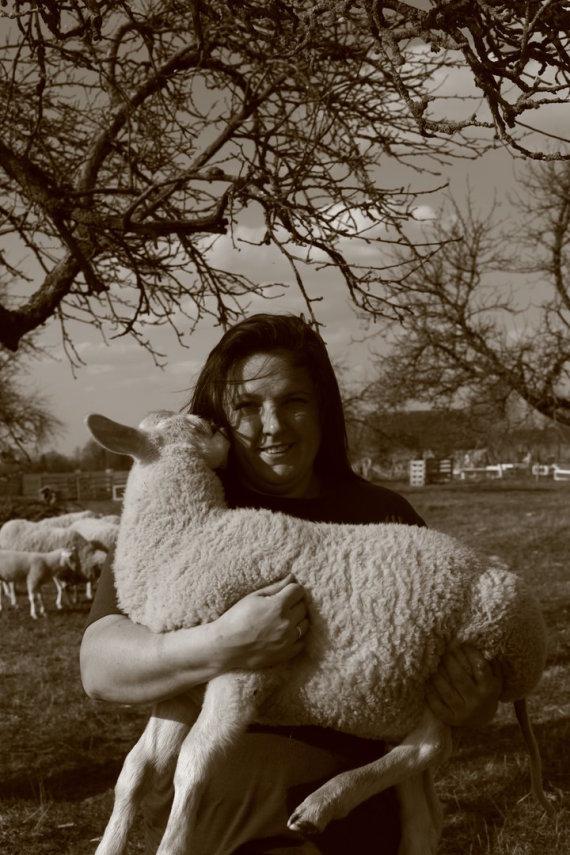 Asmeninio archyvo nuotr. /Sūrininkė Laima ir jos šeimos ūkis Varėnos rajone