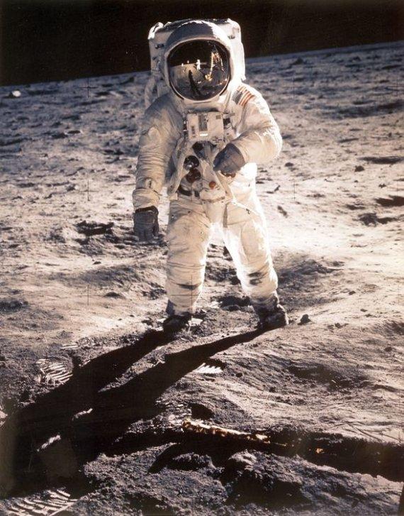 """AFP/""""Scanpix"""" nuotr./Pirmasis žmogus Mėnulyje – Neilas Armstrongas"""