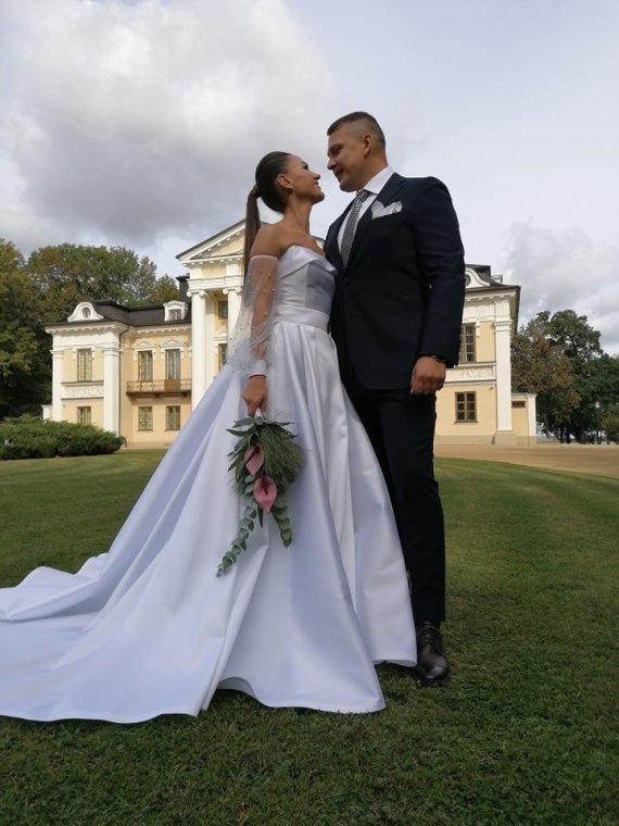 Kristinos Šerkšnienės ir Andriaus Šerkšno vestuvių bažnyčioje akimirka