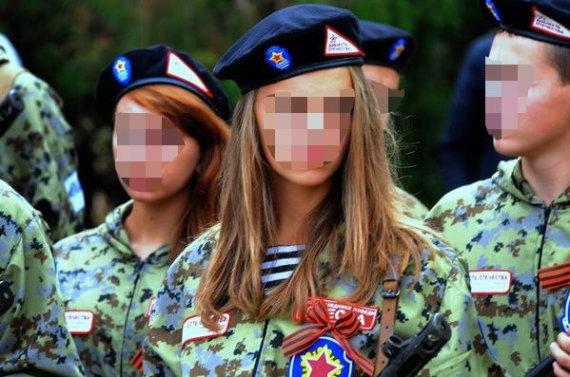 """""""Facebook"""" nuotr./Lietuvos moksleivė Rusijos karinėje stovykloje """"Sojuz 2013""""."""