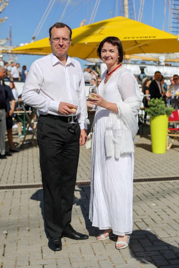 Vidmanto Balkūno / 15min nuotr./Seimo narys Naglis Puteikis su žmona Nika