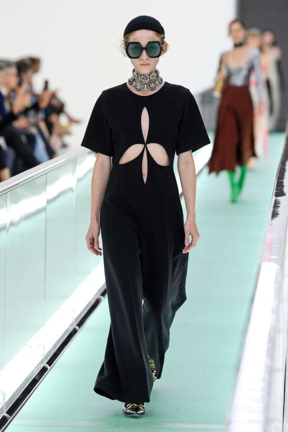 """Vida Press nuotr./""""Gucci"""" 2020 m. pavasario ir vasaros kolekcijos modelis"""