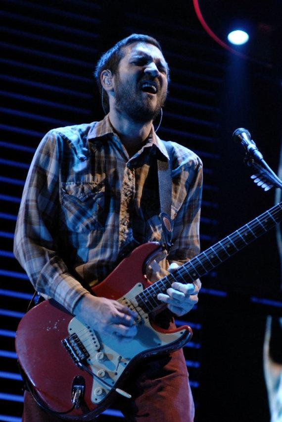 "Vida Press nuotr./""Red Hot Chili Peppers"" gitaristas Johnas Fursciante"