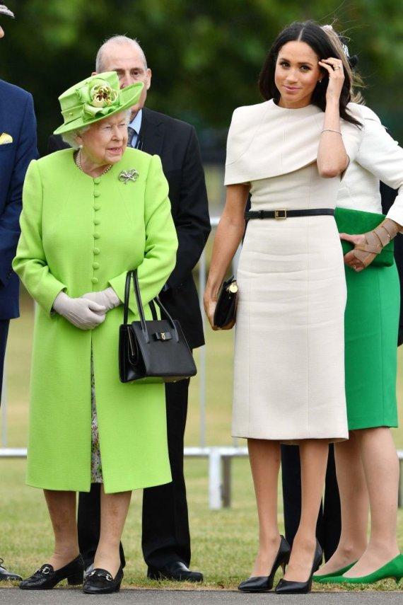 Vida Press nuotr./Sasekso hercogienė Meghan ir karalienė Elizabeth II