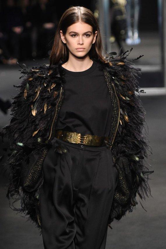 """""""Scanpix""""/""""SIPA"""" nuotr./""""Alberta Ferretti"""" kolekcijos modelis"""