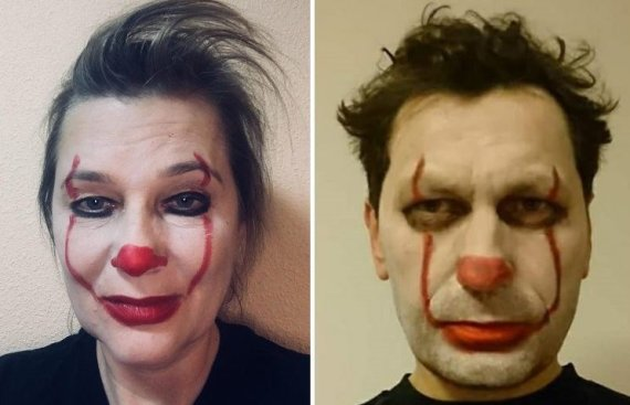 """""""Facebook"""" nuotr./Aušra Papirtienė ir Robertas Šarknickas savo feisbuko profiliuose publikavo nuotraukas, kur patys yra virtę """"klounais""""."""