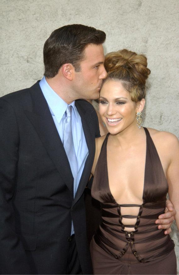 Vida Press nuotr./Benas Affleckas ir Jennifer Lopez (2003 m.)