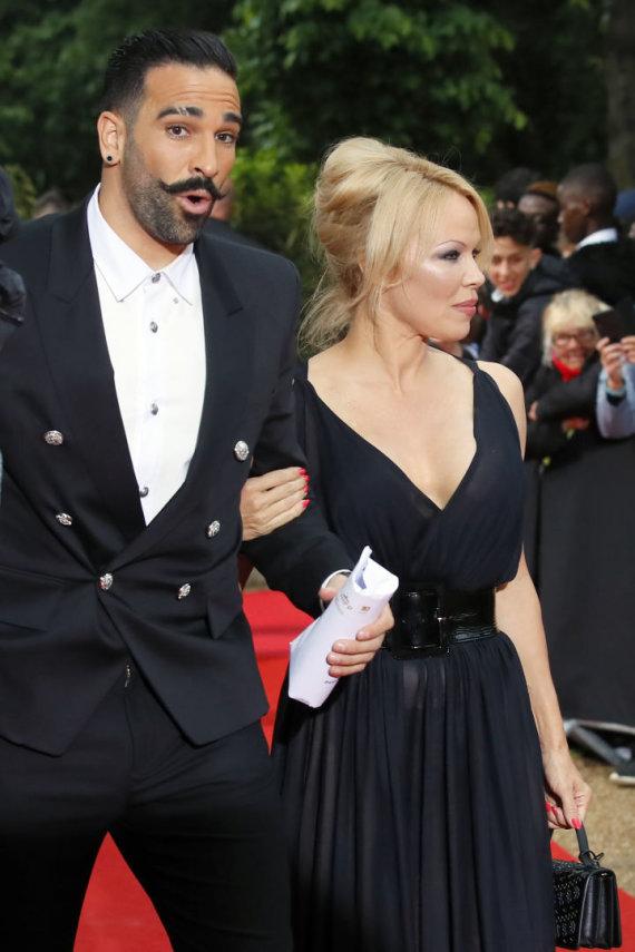 """Scanpix"" nuotr./Adilas Rami ir Pamela Anderson"