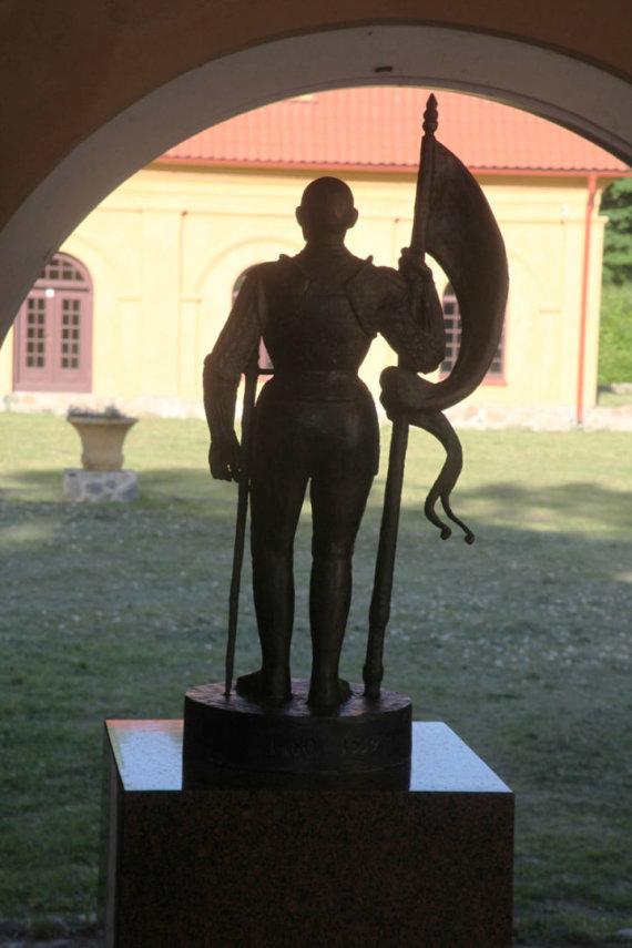 Gintaro Karoso nuotr./A.Goštauto skulptūra Liubave