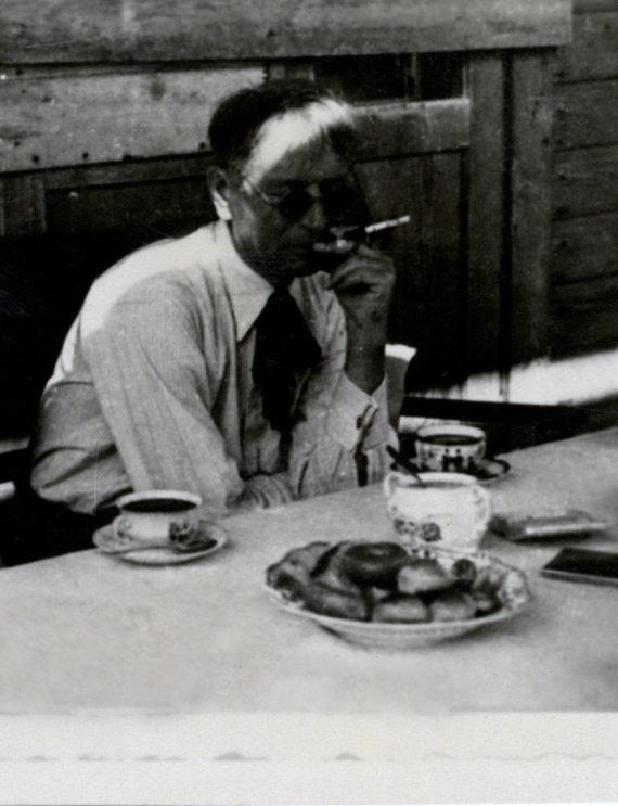 Centrinio valstybės archyvo nuotr./Paskutinė B.Sruogos nuotrauka Kaune 1947 m.