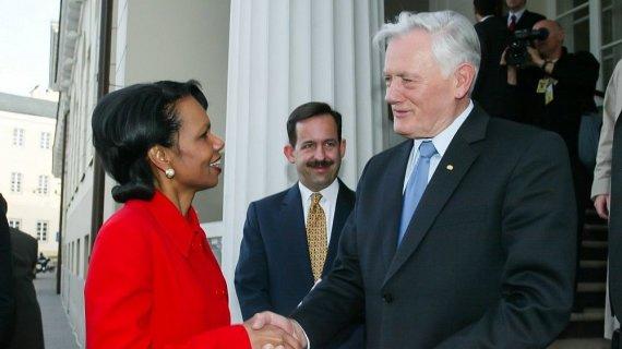 Dž. G.Barysaitės nuotr./Condoleezza Rice ir Valdas Adamkus 2005 metais