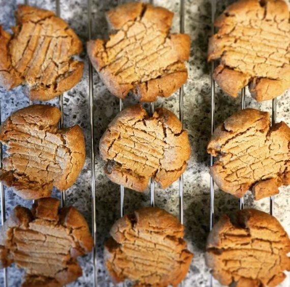 Vida Press nuotr./Riešutų sviesto sausainiai