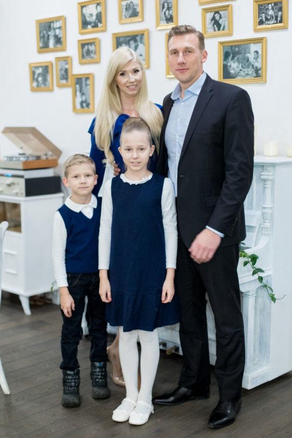 Inga ir Aivaras Stumbrai su vaikais